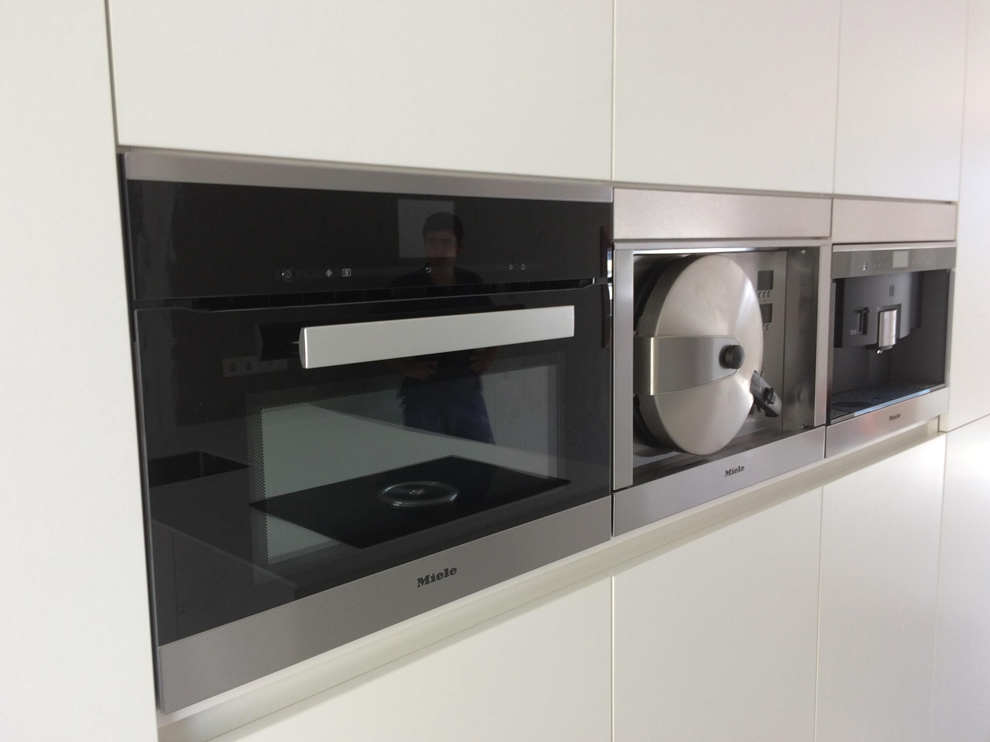 inbouw-apparatuur-kast-achter-keuken-1