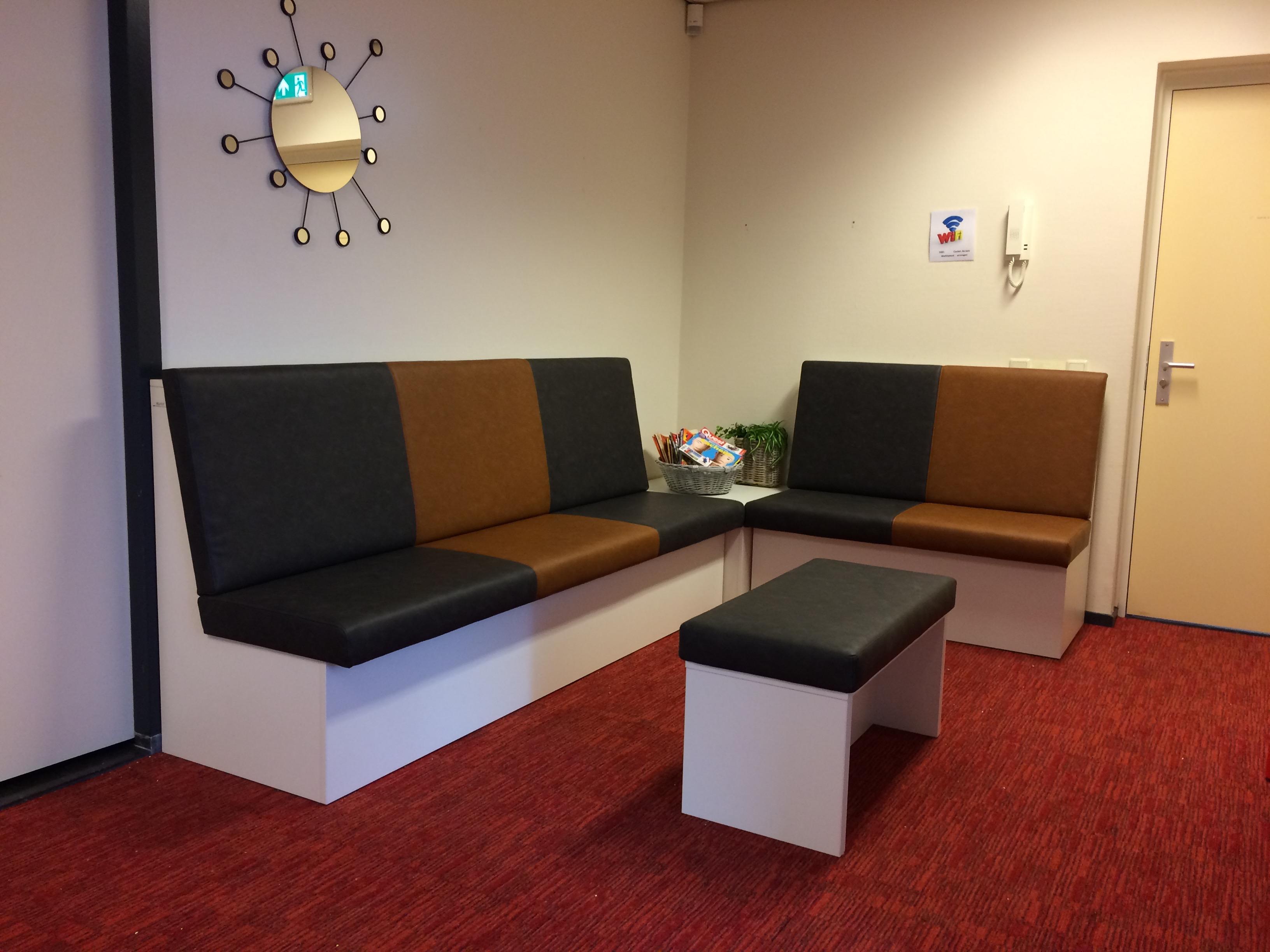 op-maat-gemaakt-bank-wachtruimte