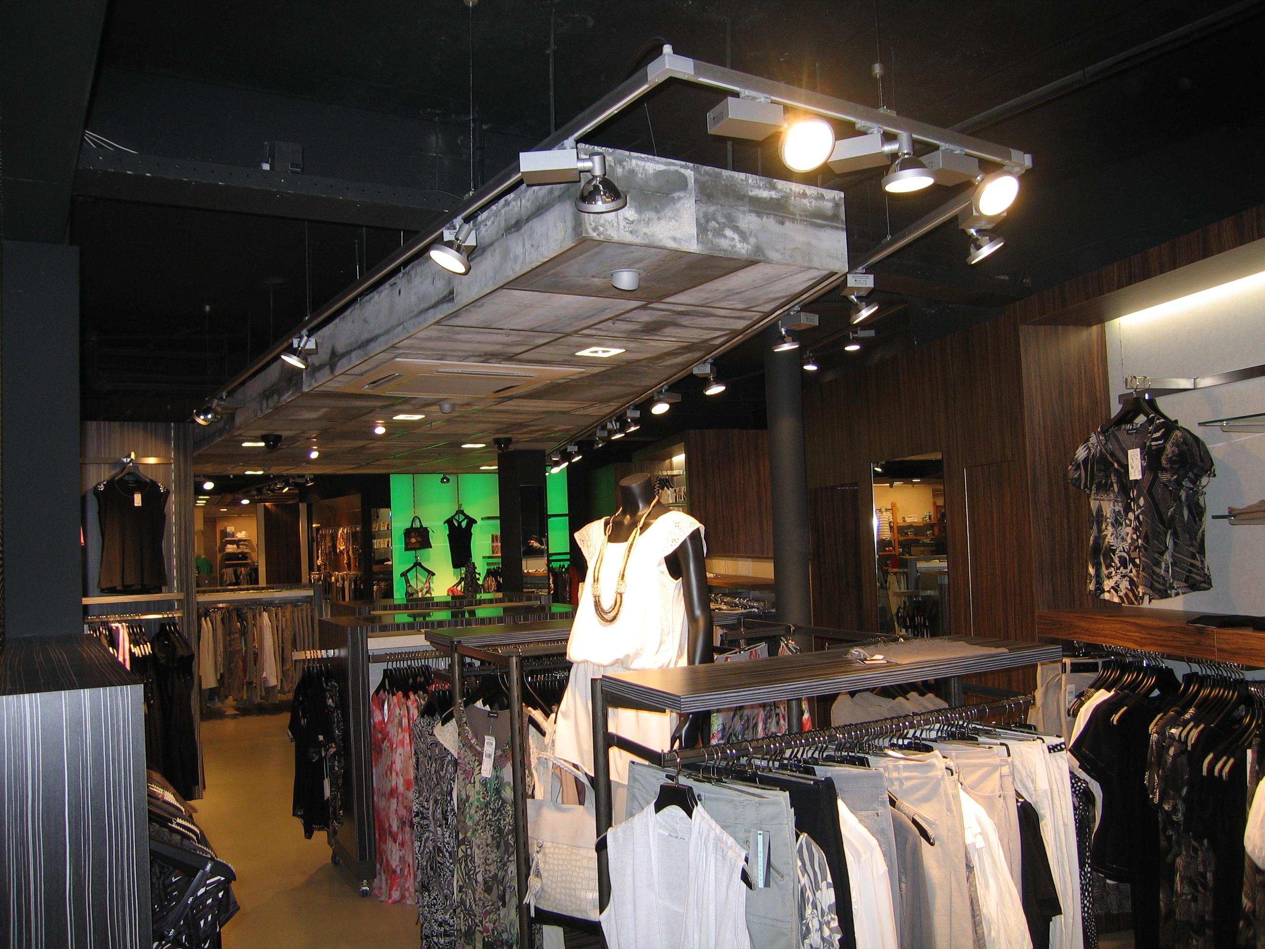 plfond-kleding-winkel